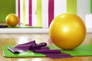 Sportgeräte Test Gymnastikball Fitnessmatte Fitnessband