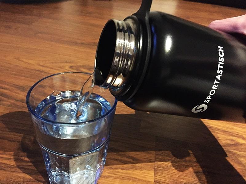 Trinkflasche Test Hydro Boost von Sportastisch Benutzung