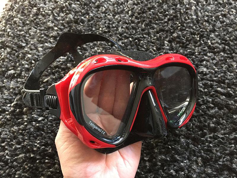 Taucherbrille Test Taucherbrille kaufen Taucherbrille ohne Schnorchel in Hand