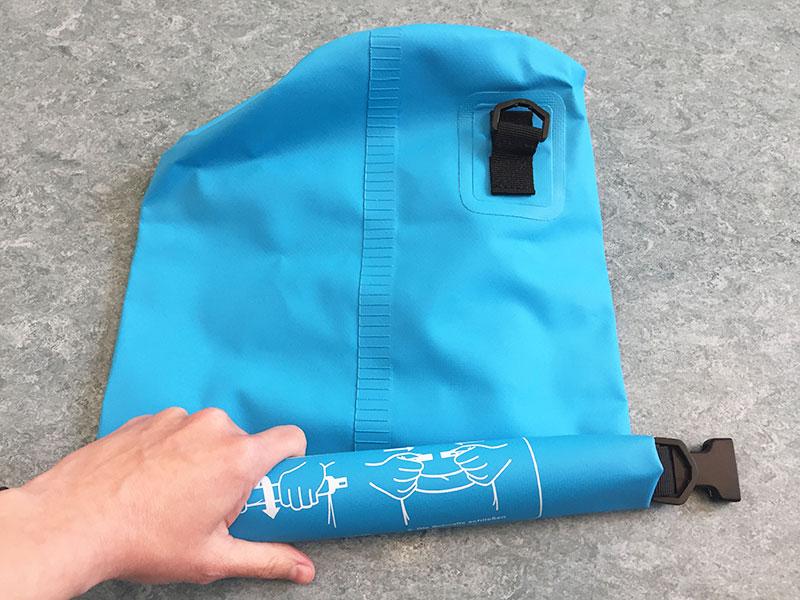 Dry Bag Test einrollen