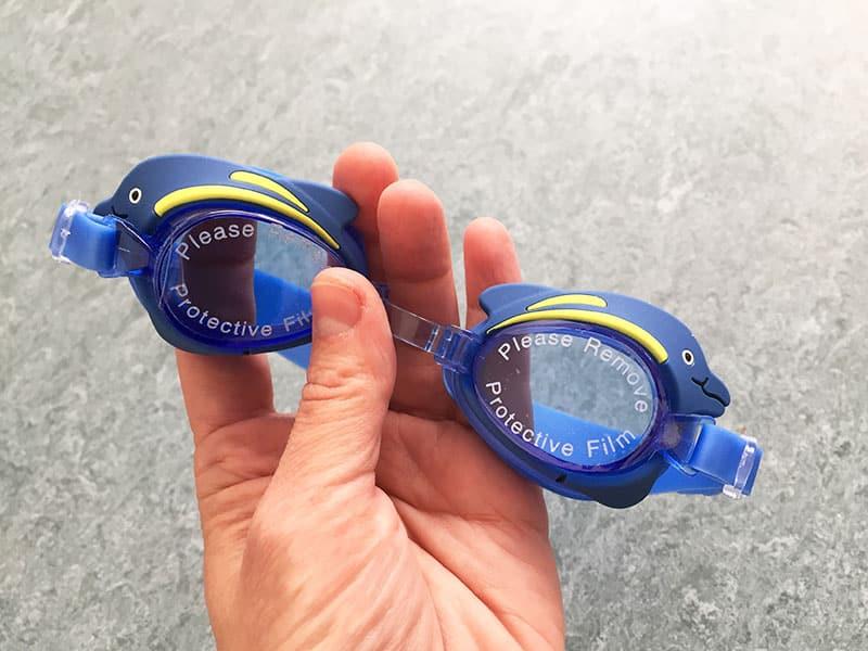 Kinder Schwimmbrille Kinder Schwimmbrillen Test Schwimmbrille für Kinder Brille in Hand